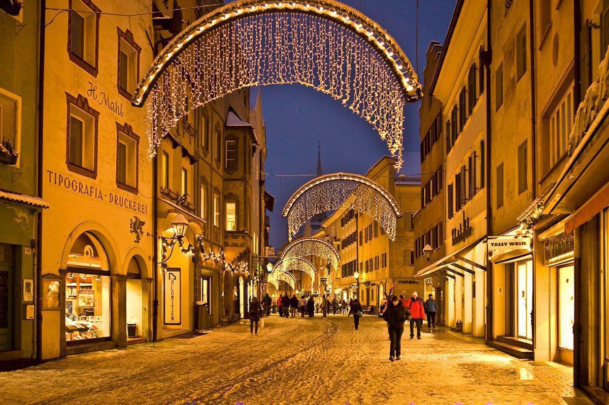 winter-holiday-at-fuchshof-christmas-market-bruneck-1