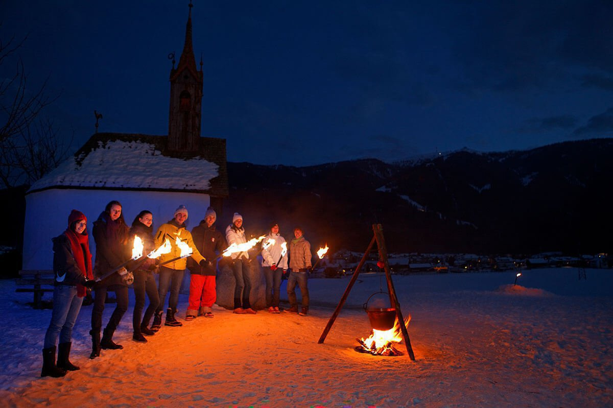 winter-holiday-at-fuchshof-christmas-market-bruneck-2