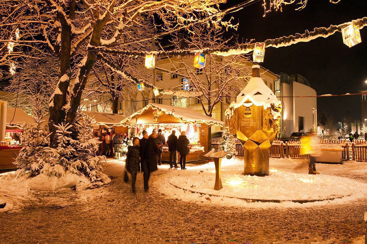 winter-holiday-at-fuchshof-christmas-market-bruneck